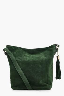 boohoo Laura Suedette Bucket Cross Body Bag