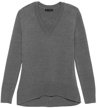 Banana Republic Supersoft Cotton Blend Boyfriend V-Neck Sweater