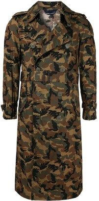 Comme des Garcons Pre-Owned double breasted camouflage trenchcoat