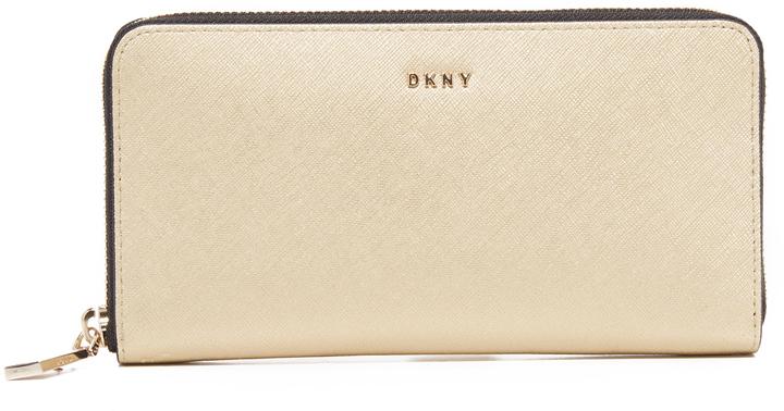 DKNYDKNY Bryant Park Metallic Continental Wallet