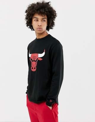 New Era NBA Chicago Bulls Long Sleeve T-Shirt With Scooped Hem In Black