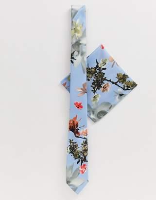 40ee2b60f6bb Asos Design DESIGN Wedding blue floral bow tie & pocket square