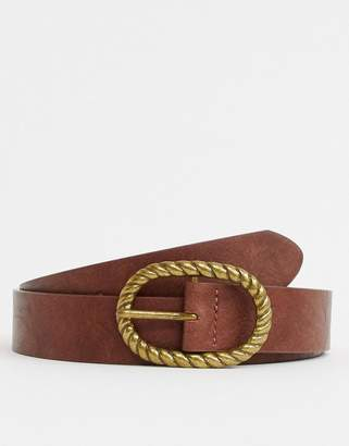 Asos Design DESIGN faux leather slim belt in vintage tan and burnished gold oval buckle