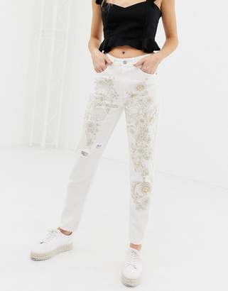 Glamorous distressed and embroidered boyfriend jeans