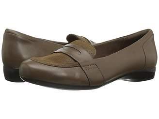 Clarks Kinzie Willow Women's Flat Shoes