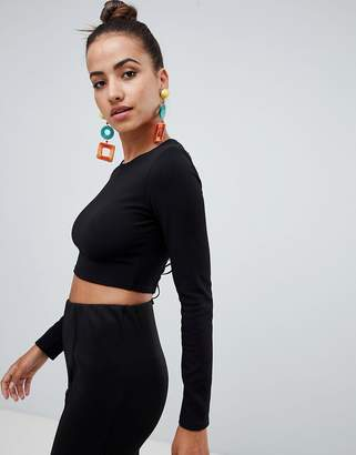 PrettyLittleThing Lace-Up Back Detail Crop Top