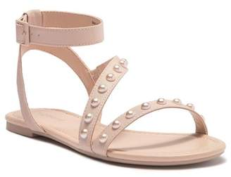 Call it SPRING Thewet Sandal