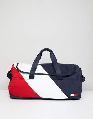 Tommy Hilfiger Speed Duffle Bag Icon Colors in Navy/White/Red