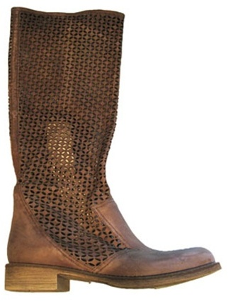 Boutique 9 Jarn Boot in Medium -!