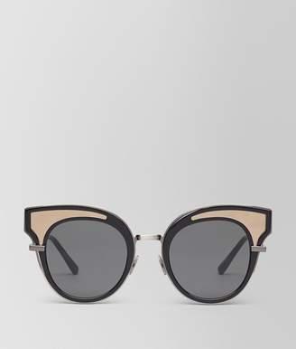 Bottega Veneta Sunglasses In Shiny Black Acetate, Solid Grey Lenses