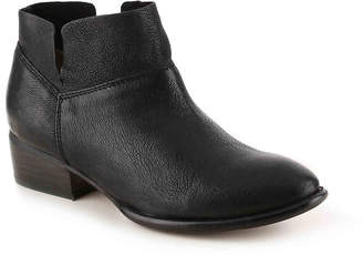 Women's Seychelles Snare Bootie -Silver $139.95 thestylecure.com