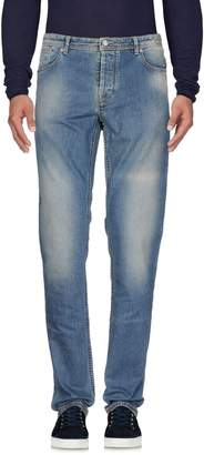 Jaggy Jeans