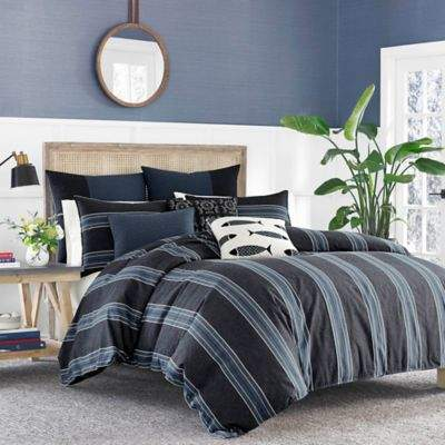 Lockridge King Comforter Set in Dark Blue
