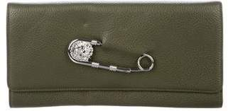 Versus Safety Pin Clutch