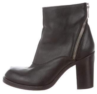Alexander McQueen Leather Round-Toe Ankle Boots Black Leather Round-Toe Ankle Boots