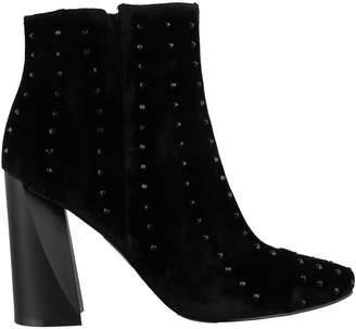 KENDALL + KYLIE Tia Ankle Boot
