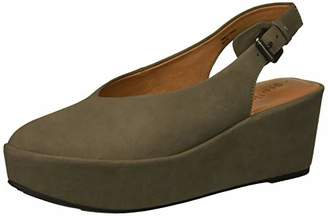 Gentle Souls Women's Nyomi Closed Toe Platform Wedge Backstrap