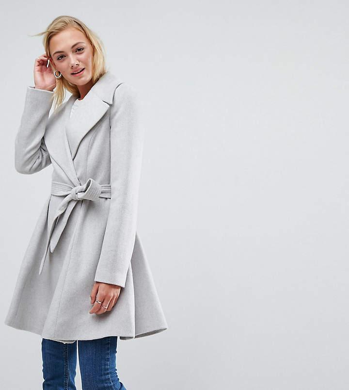 ASOS Tall ASOS TALL – Ausgestellter Mantel mit übergroßem Kragen und Gürtel