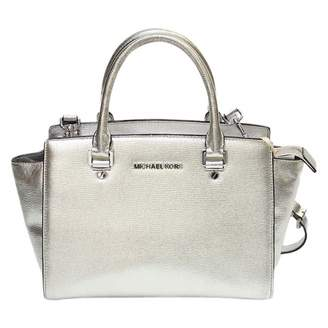 190963f010fbbc Michael Kors Silver Bags For Women - ShopStyle UK