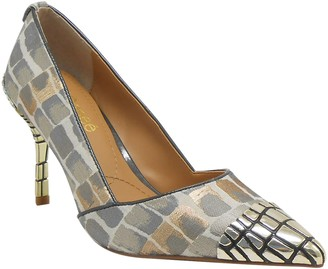 J. Renee Charleesa Pointed Toe Pump