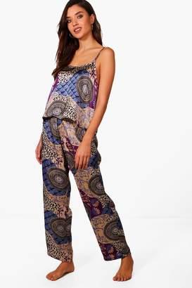 boohoo Ella Printed Cami & Trouser Set