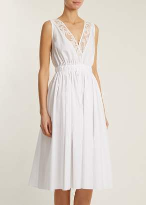 No.21 No. 21 Sleeveless V Neck Dress With Lace Trim In White