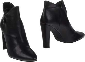 Stuart Weitzman Ankle boots - Item 11250128DE