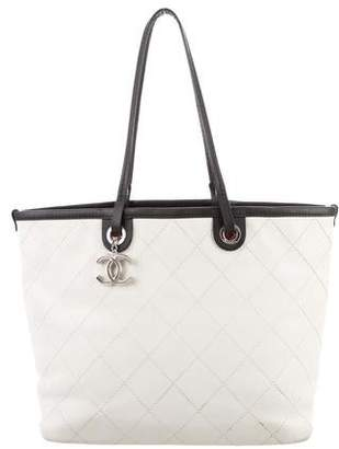 5d8dcc04e4d4 Chanel Black Burgundy Tote Bags - ShopStyle