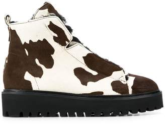 Kennel + Schmenger Kennel&Schmenger cow print ankle boots