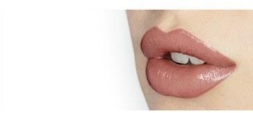 Charlotte Tilbury 'K.i.s.s.i.n.g' Lipstick - Bitch Perfect 3