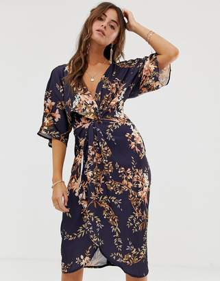 Hope and Ivy Hope & Ivy Kimono Sleeve Midi Dress With Knot Front Detail In Floral Print
