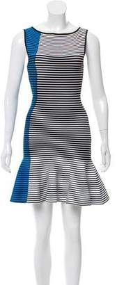 Ohne Titel Sleeveless Knee-Length Dress