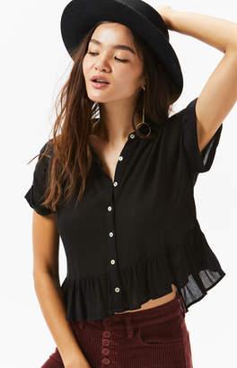 Hip Flounce Hem Button Shirt