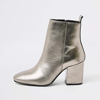 River Island Silver metallic pointed square heel boots