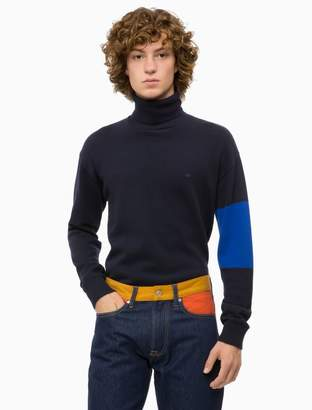 Calvin Klein colorblock logo turtleneck