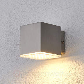 Kompakte LED-Außenwandleuchte Lydia aus Edelstahl
