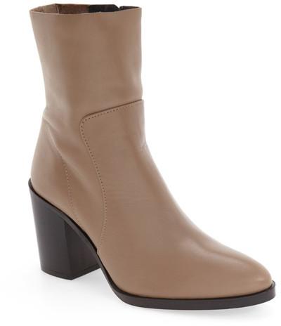 TopshopTOPSHOP &Million& Pointy Toe Zip Boot (Women)