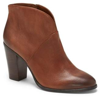 Vince Camuto Franell – Notched Bootie