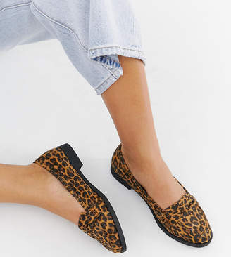 Asos DESIGN Wide Fit Minny flat shoes in Leopard