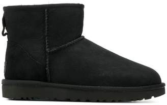 UGG 1016222 BLACK Calf Suede/Leather/Rubber