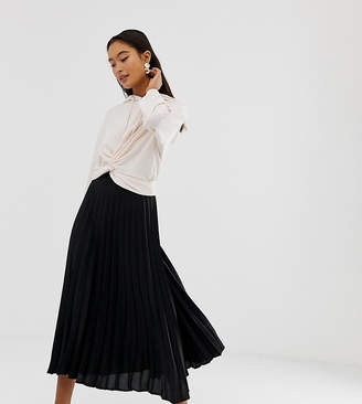 New Look pleated midi skirt in black