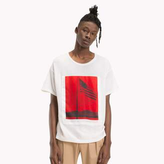 Tommy Hilfiger Graphic Flag Print T-Shirt