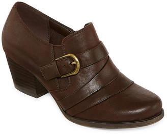 Yuu Womens Ralay Slip-On Shoe Round Toe