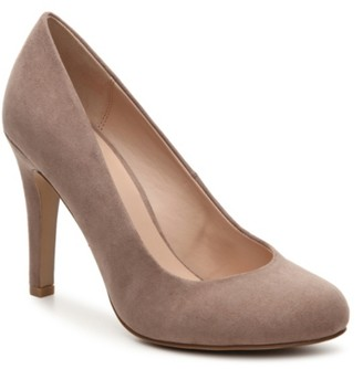 Kelly & Katie Larrissa Pump