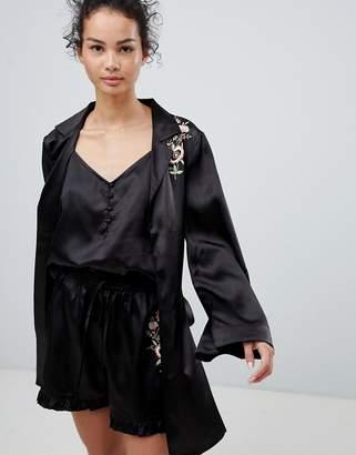 Glamorous Floral Embroidery Kimono
