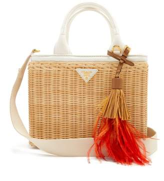Canvas and wicker woven bag