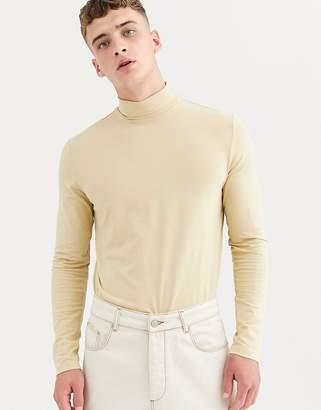 Weekday Ted turtleneck in beige