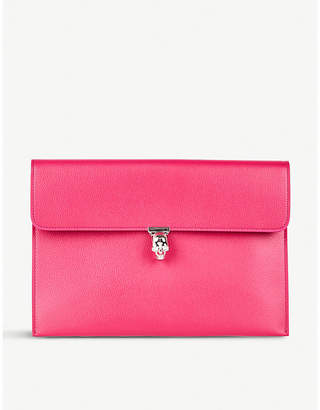 Alexander McQueen Deep Orchid Pink Skull Embellished Metallic Grained Leather Clutch Bag