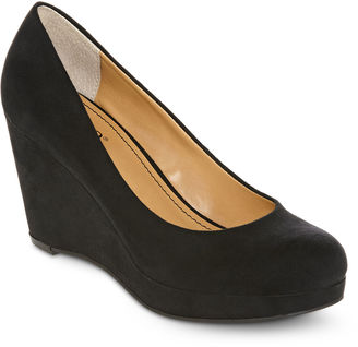 A.N.A a.n.a Kenny Wedge Pumps $60 thestylecure.com