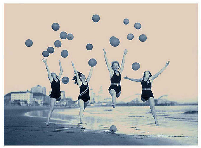 Philip Gendreau - Beach Balloons 24